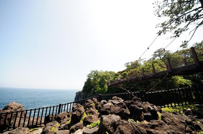 城ヶ崎海岸門脇吊り橋.JPG